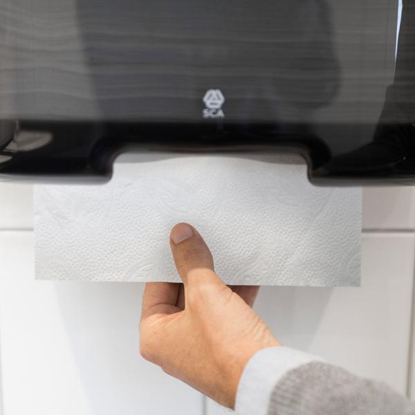 Vorschau: Tork Mini Handtuchspender für H3 Zickzack & Lagenfalz Papierhandt online kaufen - Verwendung 5