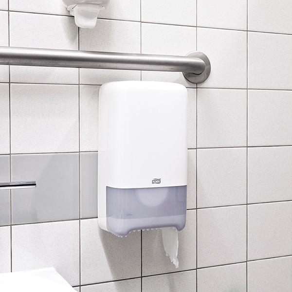 Vorschau: Tork Extra weiches Midi Toilettenpapier online kaufen - Verwendung 6